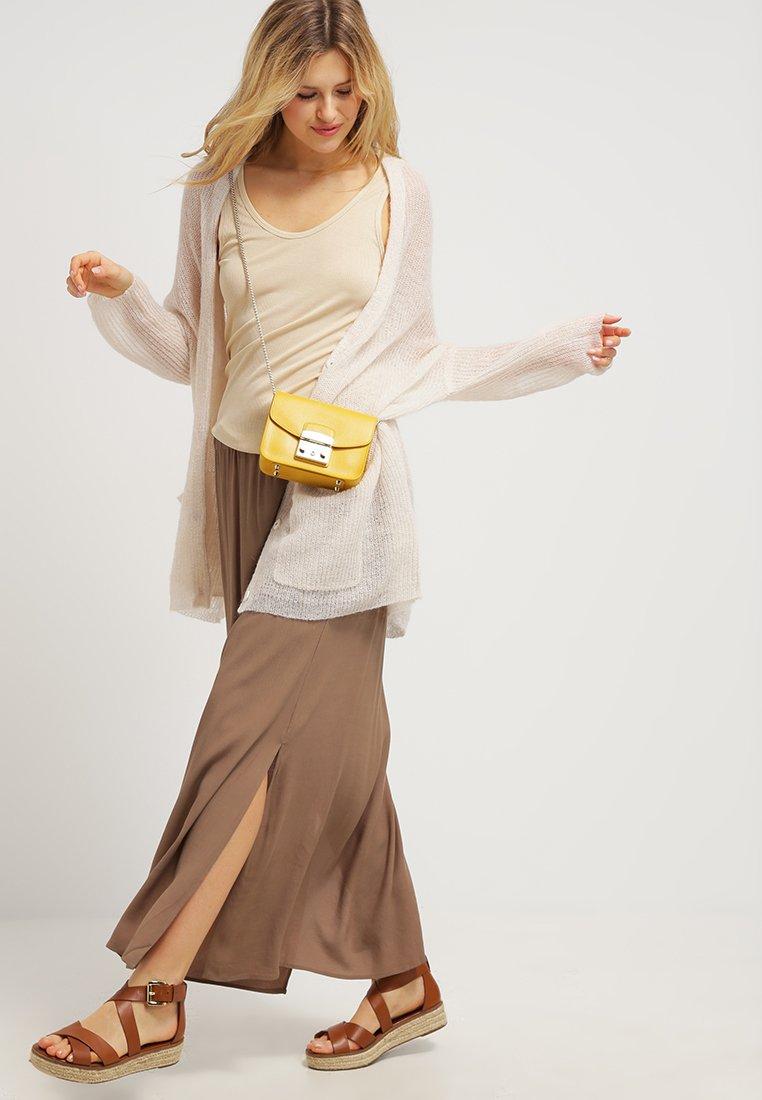 Gelbe Tasche Furla